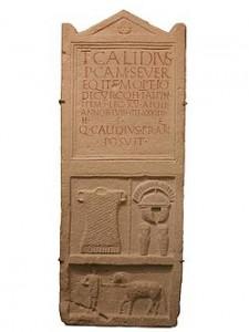 Estela funeraria de Titus Calidius en Carnuntum