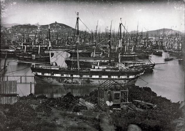 ¿Por qué y dónde están abandonados todos estos barcos?