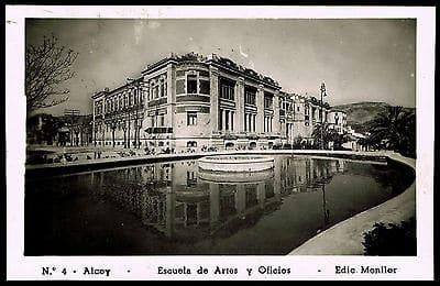 Burguesía valenciana, Escuela de Artes y Oficios de Alcoy