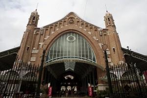 Burguesía valenciana, Mercado de Colón, de estilo modernista. Símbolo del poder burgués en Valencia