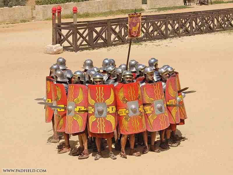 Formaciones y Tácticas del Imperio Romano: Formación en Orbe