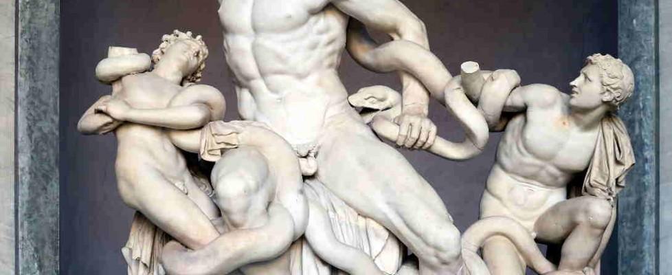 De Troya, Laocoonte. De Grecia, la serpiente